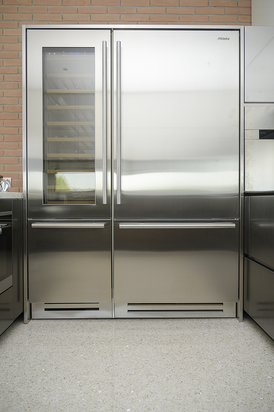 Hi tech clear lines - Todeschini Cucine